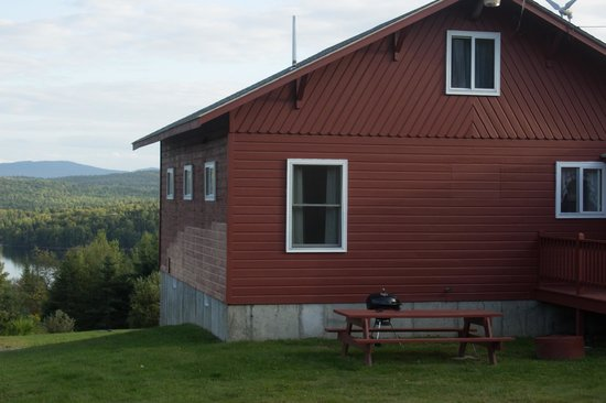 Cabins at Lopstick : Lakeview Cabin
