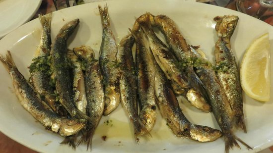 Fritolin : Sardoni (sardines; order them grilled, and be sure to eat the heads!)