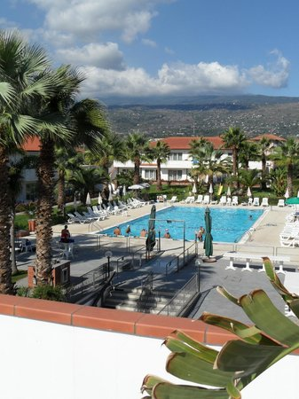 King's House Hotel Resort: Piscine