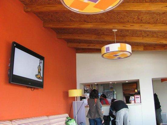Hostel Inn Bariloche: recepción
