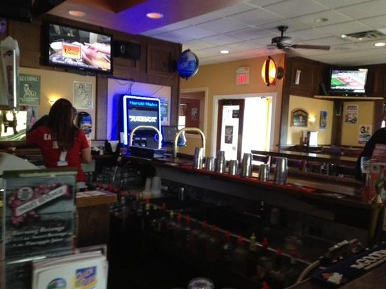 Thirsty Turtle Sports Bar : Bar room of Thirsty Turtle