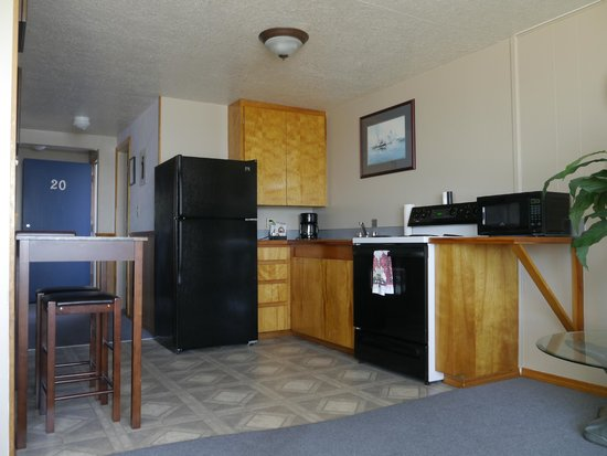 Westshore Oceanfront Motel : Full kitchens in every room.