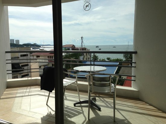 Sandy Spring Hotel: Balcony view