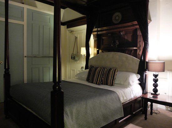 The Elmfield: Room 1 (Luxury Room)