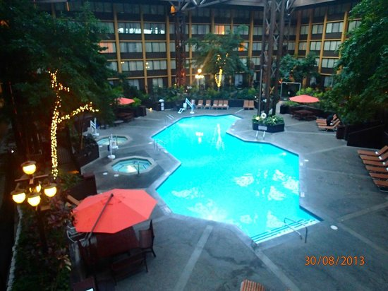 Seattle Airport Marriott Hotel Pool