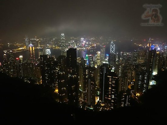 พีคทาวเวอร์: The spectacular view of Victoria harbor and HK Island.