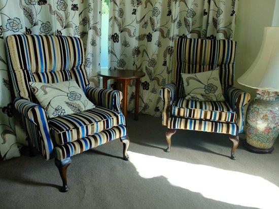 The Elmfield: Seats in Room 1