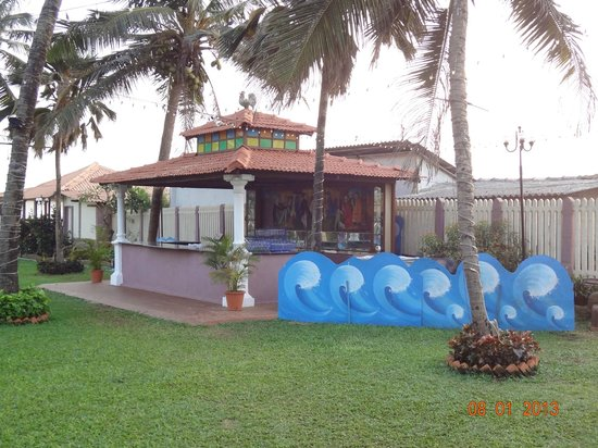 Hotel Goan Heritage: The Pool Bar