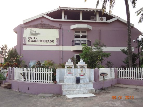 Hotel Goan Heritage: The entrance to the Goan Heritage Hotel
