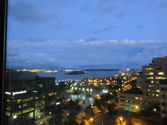 The Hollis Halifax - a DoubleTree Suites by Hilton : View of harbour from our room