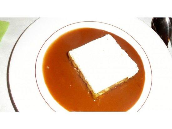 Les Molières : millefeuille aux pommes chaudes sauce caramel