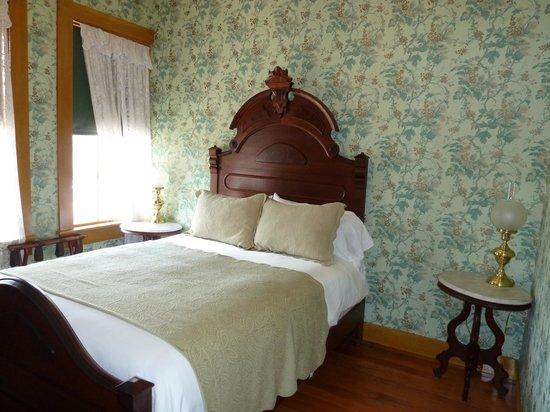 Cosmopolitan Hotel: Estudillo Room