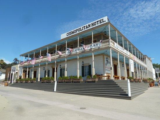 Cosmopolitan Hotel: hotel exterior