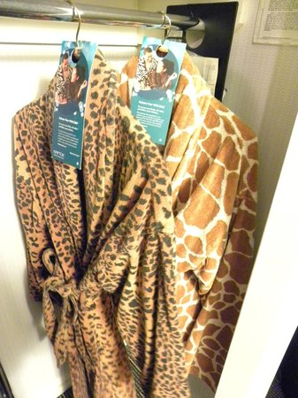 Kimpton Hotel Madera : Funky in-room robes
