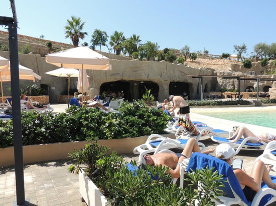 db Seabank Resort + Spa: le bar de la grotte