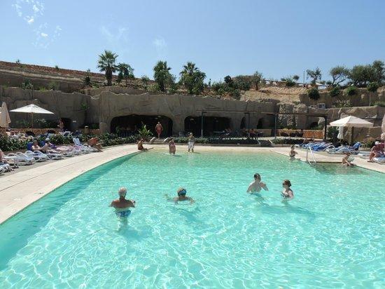 db Seabank Resort + Spa: La piscine de la grotte réservée aux adultes