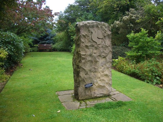 St Andrews Botanic Garden: UN peace garden