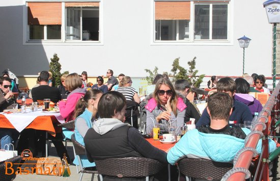 Antonio's Basmati: Our guests enjoying the sun on our terrace.