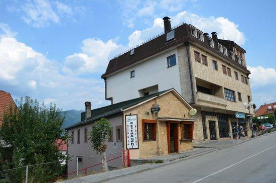 Restoran Slavija