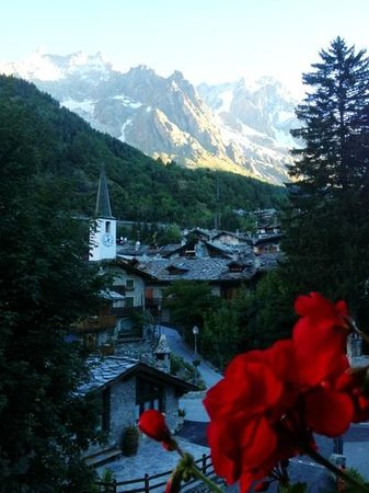 Prato sera picture of auberge de la maison courmayeur for Auberge de la maison entreves courmayeur