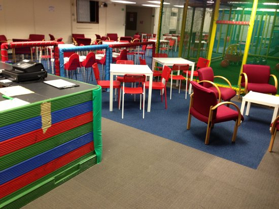 Funways: Seperate Cafe seating