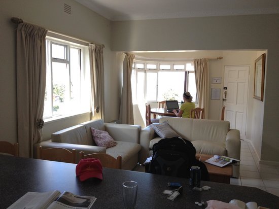 Camps Bay Village (Resort): View of dining area from kitchen