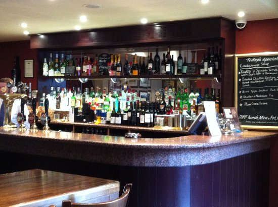 The White Hart Hotel: White Hart Hotel - bar