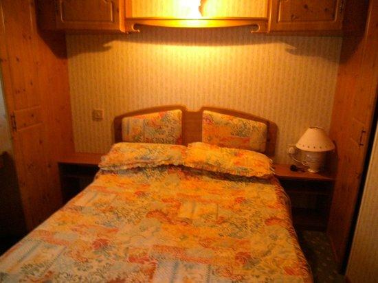 Tobermory Campsite: Super comfy & spacious bedroom