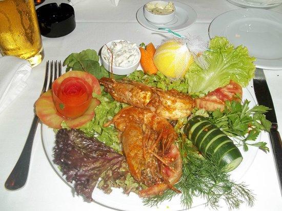 The Chef Restaurant: prawns in garlic