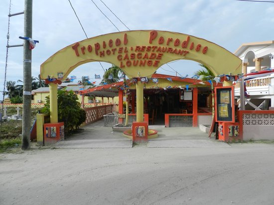 Tropical Paradise Restaurant: Easy To Find - Just Follow Front Street