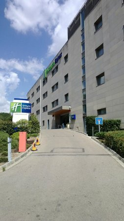 Express by Holiday Inn Montmelo: outside