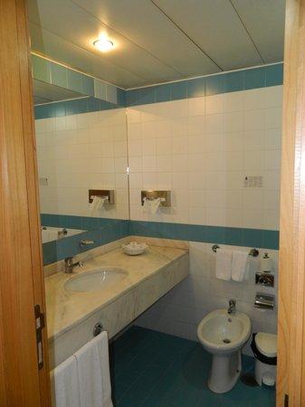 Terrace Mar Suite Hotel: ванна