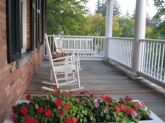 Aurora Inn : Breakfast basket enjoyed on porch.