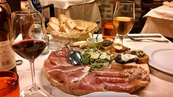 Casale L'Antico Carro: Mixed Appetizer platter in the restaurant