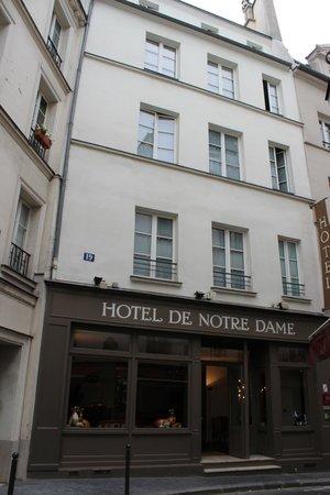 """Hotel de Notre Dame """"Maitre Albert"""": Фасад отеля"""