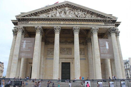 "Hotel de Notre Dame ""Maitre Albert"": Пантеон"