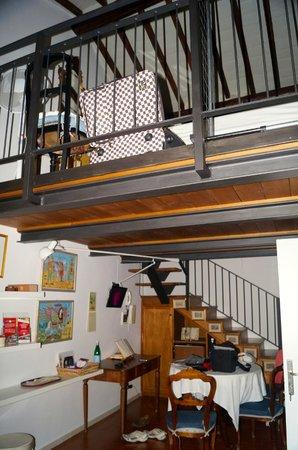 Casale Fontibucci: Double bed upstairs