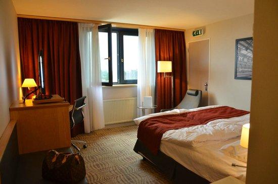 Mövenpick Hotel Den Haag - Voorburg: Superior-Room
