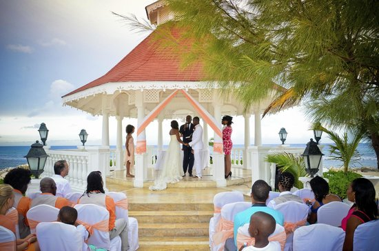 wedding day picture of grand bahia principe jamaica