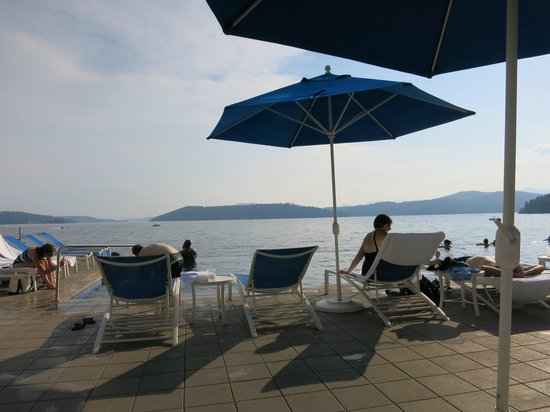 The Coeur d'Alene Resort: At the Infinity Pool