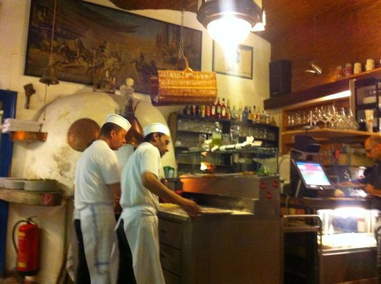 Il Mare: fresh pizza from the stone oven