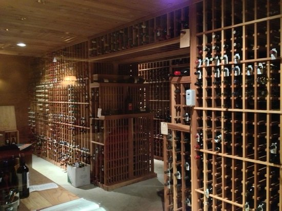 Courtright's Restaurant: Wine cellar