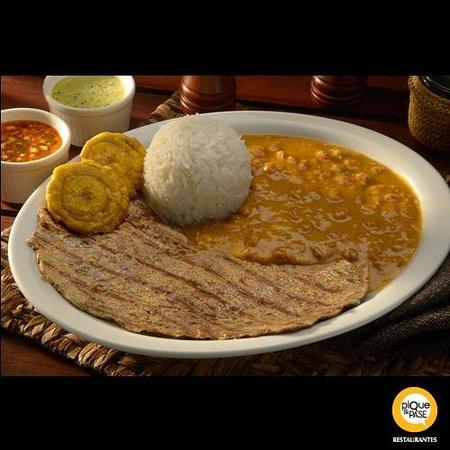 Pique y Pase : Arroz con menestra con carne asada