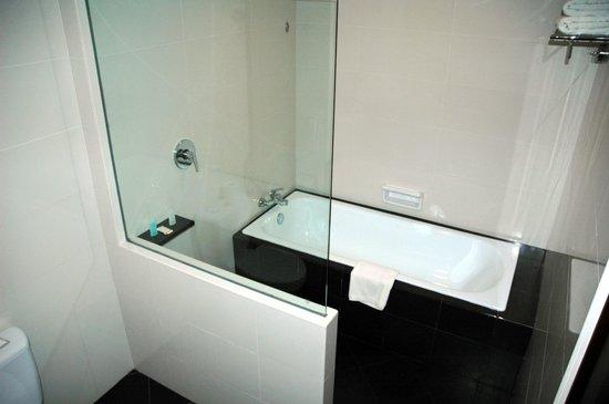 Grand I Hotel: Bathroom