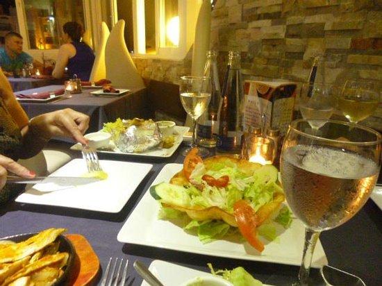 Amigos: the minimalist salad