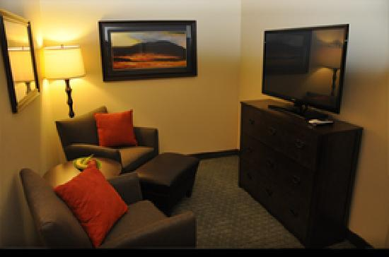 Good Little Missouri Inn U0026 Suites: Double Queen Extended (living Room Area)