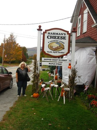 Harman's Cheese & Country Store: Harman's Country Store, Sugar Hill, NH