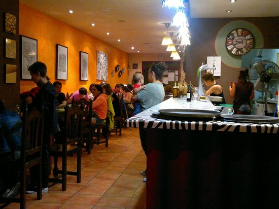 Pizzeria RUMBERA: Salón