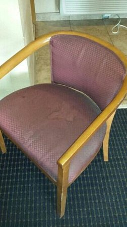 America's Best Inn: chair