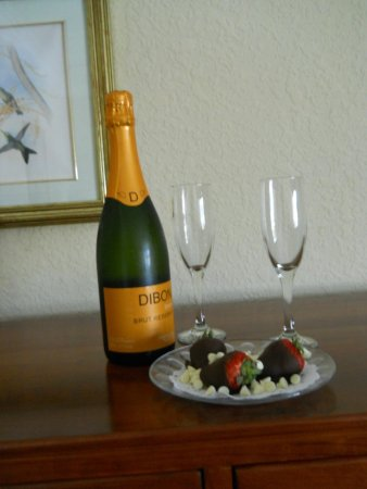 Smithfield Station: complementary champagne and strawberries